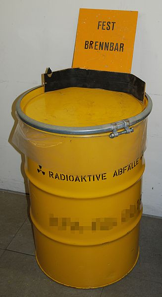 Atommüll Gelbe Tonne – Foto © Prolineserver - Eigenes Werk. Lizenziert unter CC BY-SA 3.0 über Wikimedia Commons