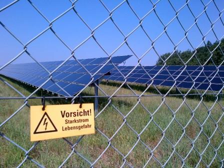 Hochgespannte Erwartungen enttäuscht - PV-Park Singen (Hohentwiel)-20120811 Foto © Gerhard Hofmann_Agenntur Zukunft