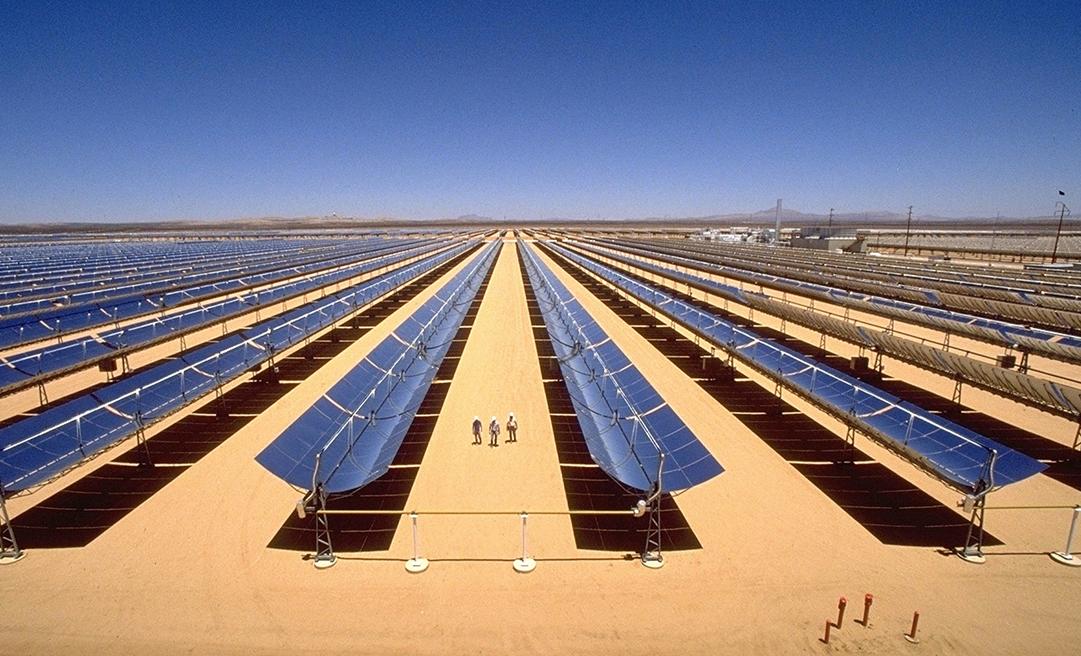 Kramer Junction (Mojave Desert, California, USA) SEGS III-VII, 5 x 30 Mwe CSP - Foto © Siemens