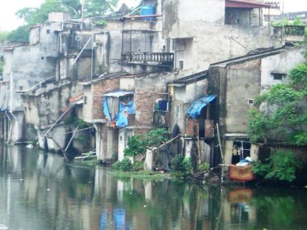 Armenviertel in Vietnam - Foto © Gerhard Hofmann Agentur Zukunft für Solarify