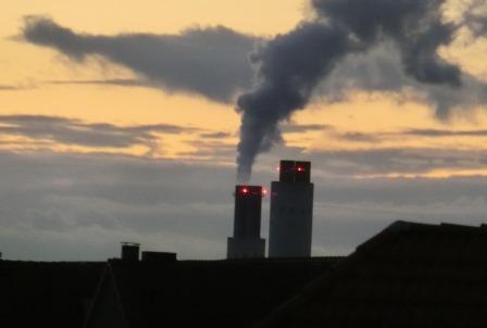 Vattenfall-Kraftwerk Berlin Reuter West (laut UBA 2,9 Mio. t CO2 im Jahr) - Foto © Gerhard Hofmann_Agentur Zukunft