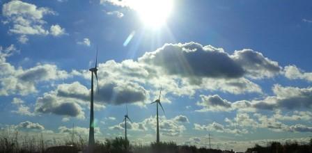 Wind und Sonne - Foto © Gerhard Hofmann, Agentur Zukunft für Solarify