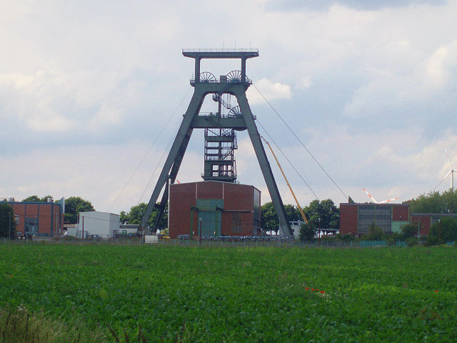 Schacht Konrad 2012 – Foto © Hejkal - Eigenes Werk. Liz. CC BY-SA 3.0 über Wikimedia Commons