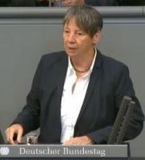 Bundesumweltministerin Barbara Hendricks - Screenshot © Parlamentsfernsehen Deutscher Bundestag - 2015-05-07 11.53