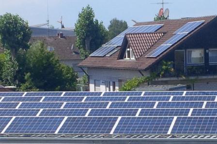 PV-Dächer in Radolfzell, - Foto © Gerhard Hofmann, Agentur Zukunft für Solarify