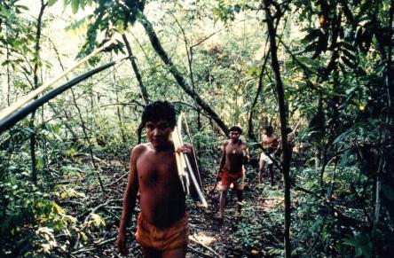 Tropischer Regenwald - Ureinwohner - Foto © Gerhard Hofmann, Agentur Zukunft