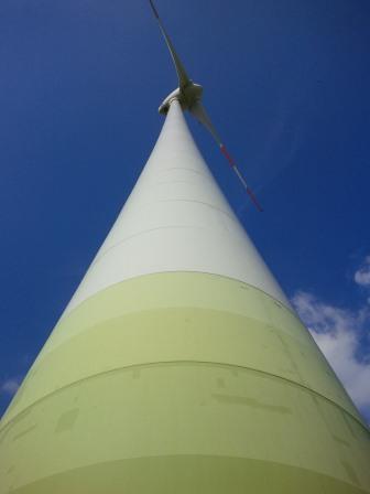 Windgenerator bei Nauen - Foto © Gerhard Hofmann, Agentur Zukunft für Solarify - 20150829