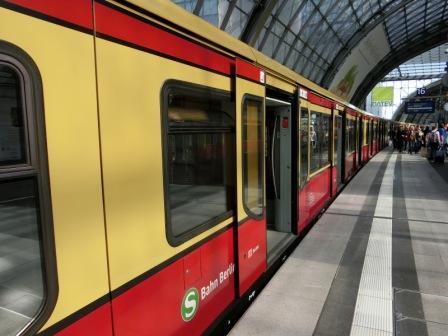 ÖPNV (S-Bahn) in Berlin - Foto © Gerhard Hofmann für Solarify