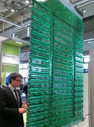 Algen-Versuchsanlage von Fraunhofer auf Hannover-Messe 2014 - Foto © Gerhard Hofmann, Agentur Zukunft