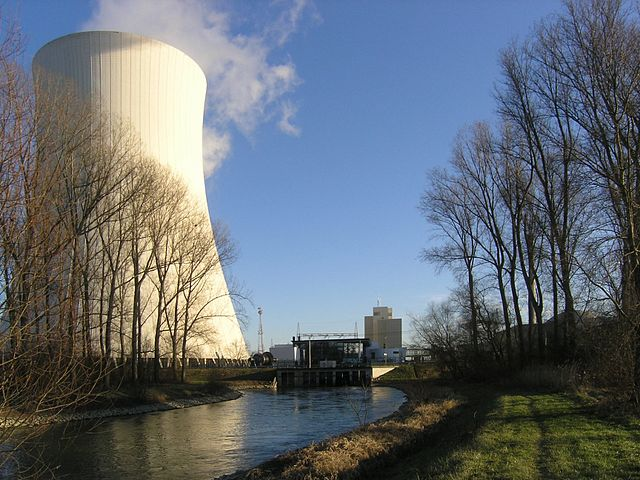 AKW Philippsburg Kühlturm - Foto © Michael Kauffmann - CC BY 2.0, commons.wikimedia.org
