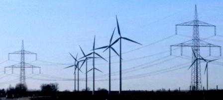 Wind und Hochspannungsleitung bei Dahme, Mark - Foto © Gerhard Hofmann, Agentur Zukunft, 20160402