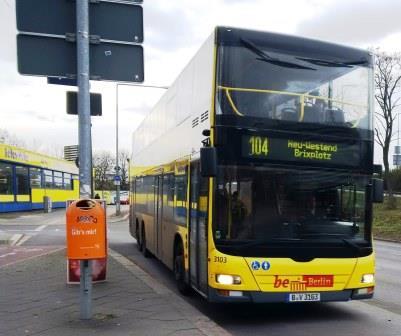 104er Bus in Berlin - Foto © Gerhard Hofmann, Agentur Zukunft für Solarify