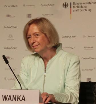 Johanna Wanka bei Carbon2Chem-PK - Foto © Gerhard Hofmann, Agentur Zukunft für Solarify