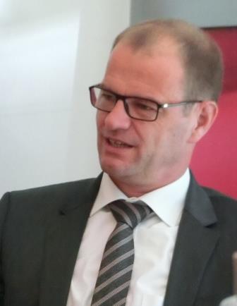 Stefan Kapferer in PK BDEW - Foto © Gerhard Hofmann, Agentur Zukunft für Solarify