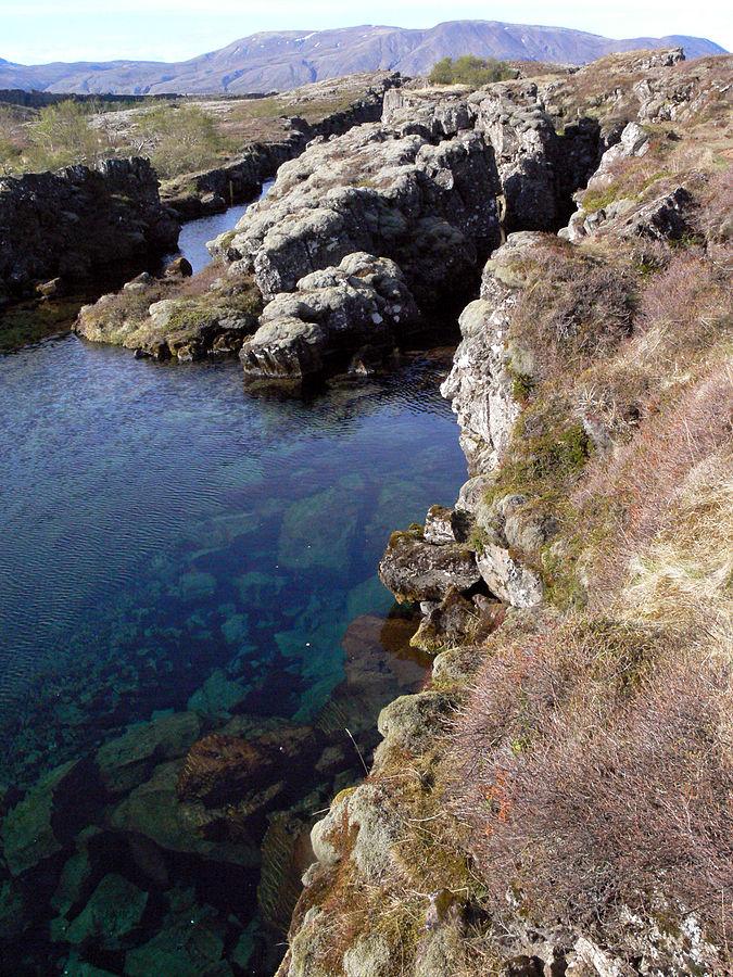 Tholeiitbasalt in Þingvellir, Island - Foto © Christian Bickel fingalo - Eigenes Werk, CC BY-SA 2.0 de, commons.wikimedia