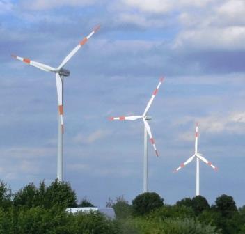 Wingeneratoren an A2, Brandenburg - Foto © Gerhard Hofmann, Agentur Zukunft für Solarify