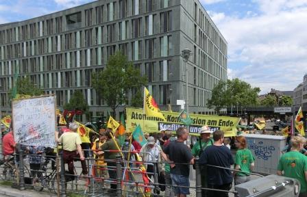 Anti-Atom-Endlager-Berichts-Demo vor der BPK - Foto © Gerhard Hofmann, Agentur Zukunft für Solarify 20160705