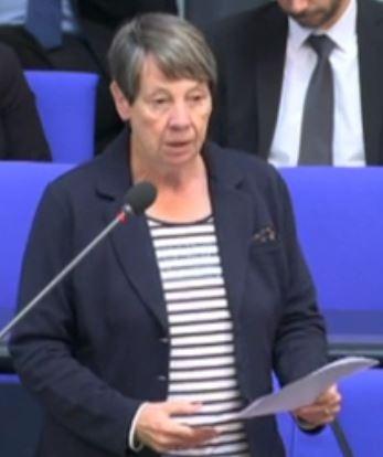 Barabara Hendricks vor Bundestag - Screenshot © Bundestagsfernsehen
