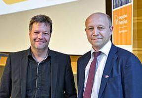 Robert Habeck, Umweltminister Schleswig-Holstein, und dena-Chef Andreas Kuhlmann - Foto © Deutsche Energie-Agentur GmbH (dena), powertogas.info