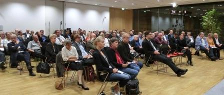 diskussion-ueber-atommuell-forschung-foto-gerhard-hofmann-agentur-zukunft-fuer-solarify