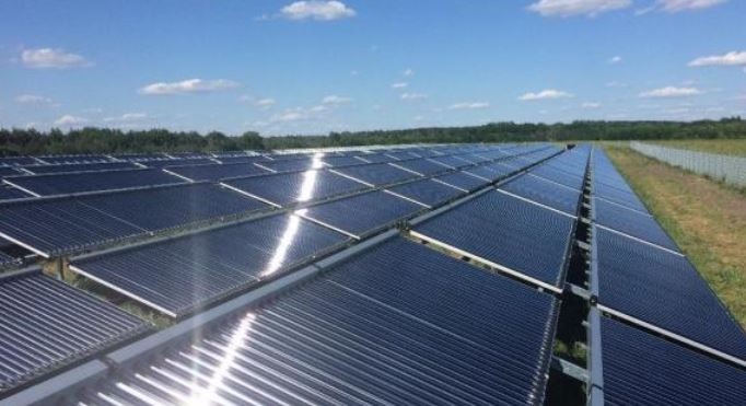 solarthermisches-kollektorfeld-in-senftenberg-foto-ritter-xl-solar