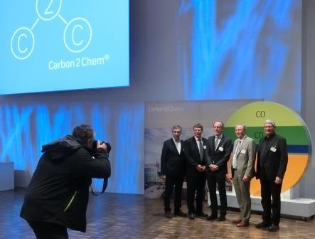 Gruppenfoto - Carbon2Chem, Oles, Deerberg, Huthmacher, Achatz, Schlögl  - Foto © Gerhard Hofmann, Agentur Zukunft für Solarify 20161026n-agentur-zukunft-fuer-solarify-20161026