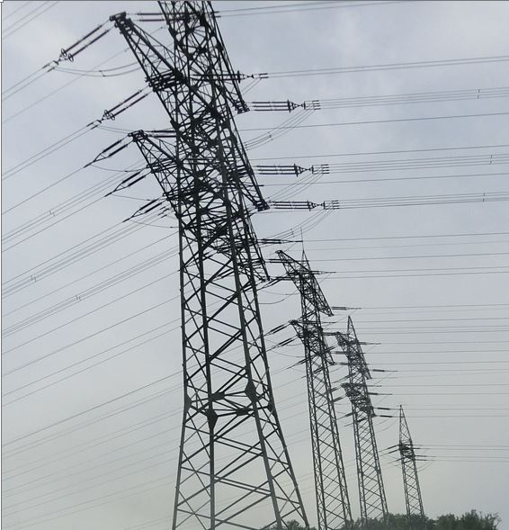 Strommasten in Deutschland - Foto © Gerhard Hofmann, Agentur Zukunft für Solarify