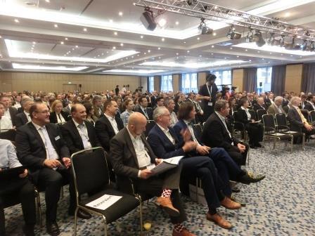 17-forum-neue-energiewelt-eroeffnungsplenum-foto-gerhard-hofmann-agentur-zukunft-fuer-solarify