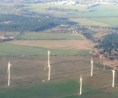 windgeneratoren-im-osten-von-berlin-foto-gerhard-hofmann-agentur-zukunft-fuer-solarify