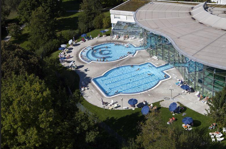 Die Stadt Bad Waldsee nutzt bereits Thermalwasser etwa zum Beheizen des Schwimmbads. Das Projekt GeoSpeicher.bw wird helfen die Nutzung zu optimieren - Foto © Waldsee-Therme