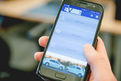 Diese App könnte die Entscheidung für den Kauf eines E-Autos leichter machen - Foto © RUB, Marquard