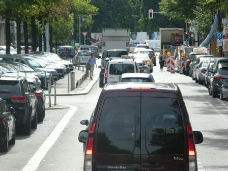 Dichter Autoverkehr Berlin - Foto © Gerhard Hofmann für Solarify