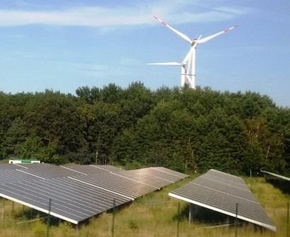 Erneuerbare Energien bei Nauen, Brbg. - Foto © Gerhard Hofmann, Agentur Zukunft für Solarify 20180609