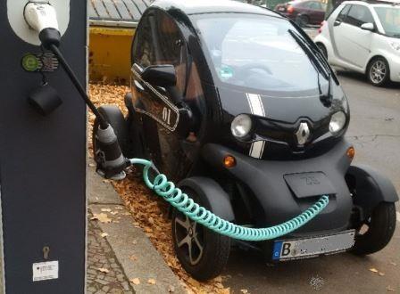 E-Mobilität im Berliner Westend Renault Twizy - Foto © Agentur Zukunft für Solarify