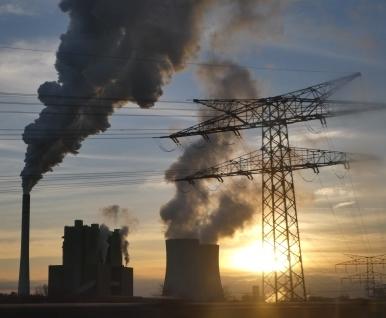 Uniper-(Braun-)Kohlekraftwerk Schkopau bei Leuna - Foto © Solarify