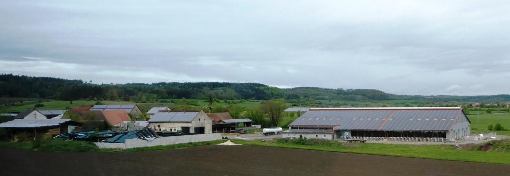 PV-Dächer in mittelfränkischem Dorf - Foto © Gerhard Hofmann, Agentur Zukunft für Solarify