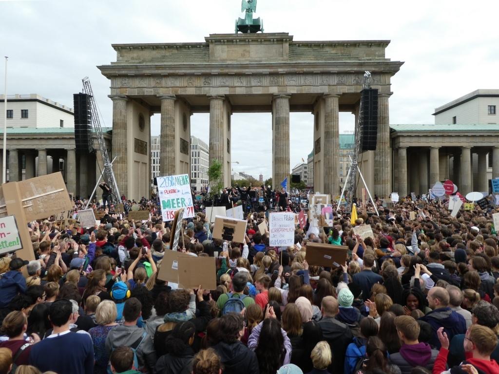 Fridays-for-Future-Demonstration am Brandenburger Tor - Foto © Agentur Zukunft für Solarify