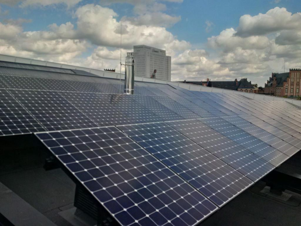PV auf Dach des Berliner Futuriums - Foto © Solarify