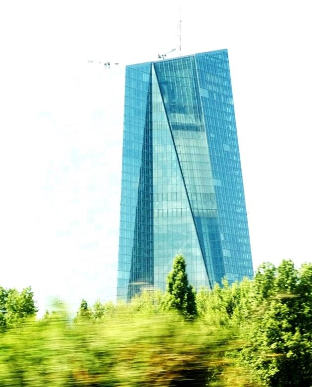 EZB in Frankfurt - Foto © Gerhard Hofmann, Agentur Zukunft für Solarify