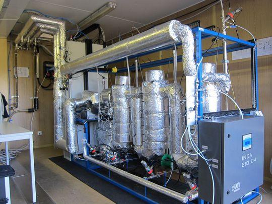 Verbesserte Wasserstoff-Produktion aus Holzabfällen