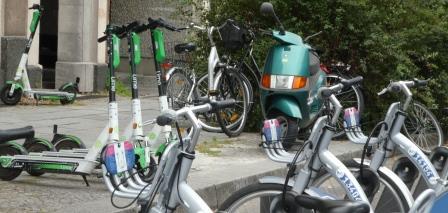 Fahrräder und Roller, Berlin - Foto © Agentur Zukunft für Solarify