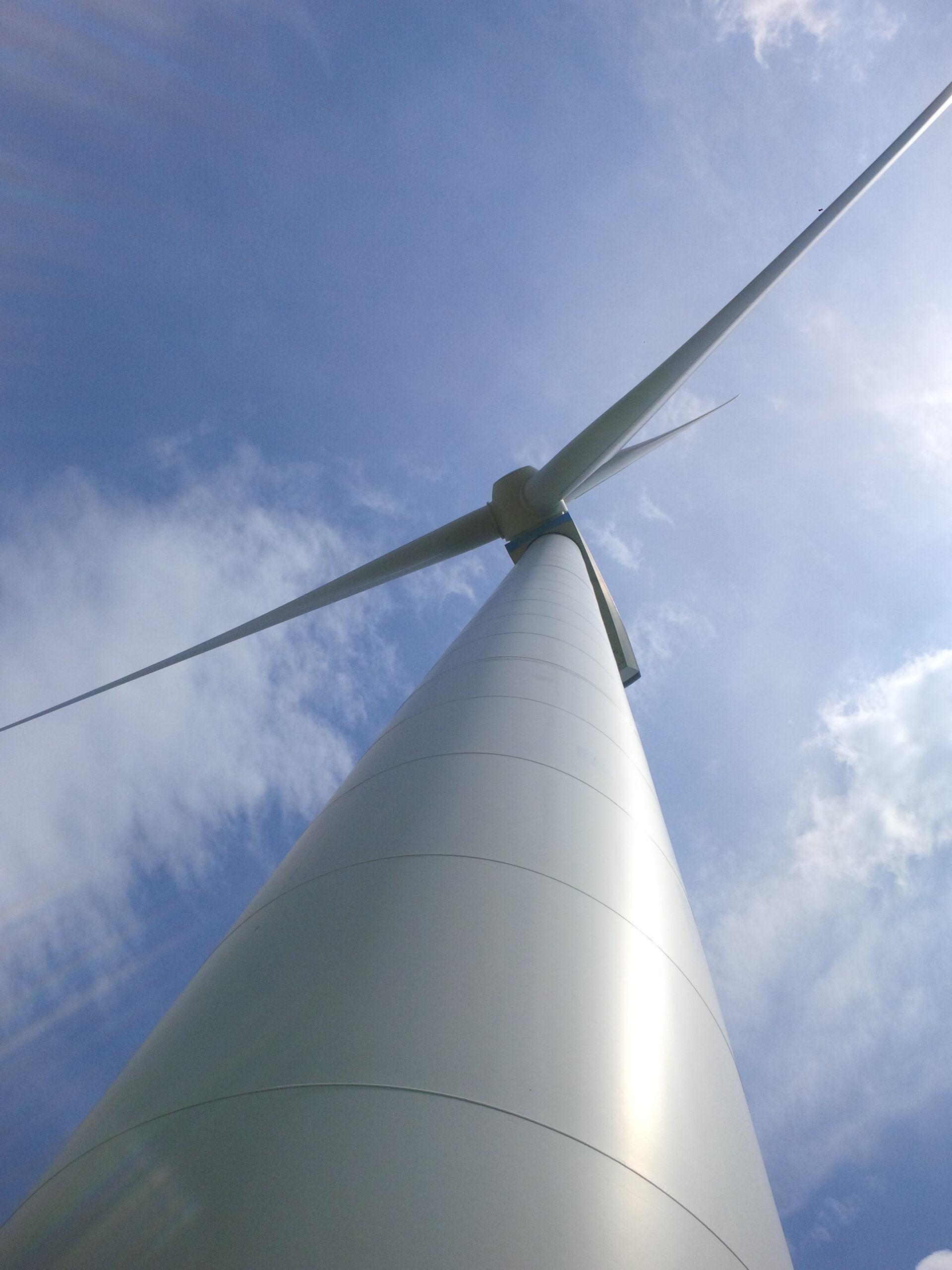 Windgenerator in Brandenburg Foto © Gerhard Hofmann für Solarify