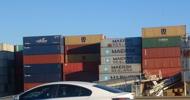 Container im Hafen von Barcelona - Foto © Solarify