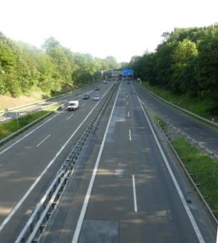 Leere Autobahn, Avus Berlin - Foto © Gerhard Hofmann für Solarify