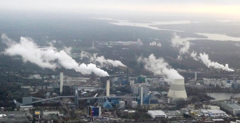 Dampf, Rauch und CO2 im Berliner Norden - Foto © Agentur Zukunft für Solarify